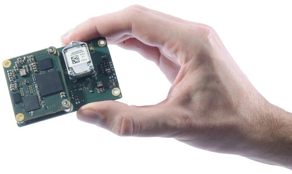 Quanta_UAV-Product-Hand