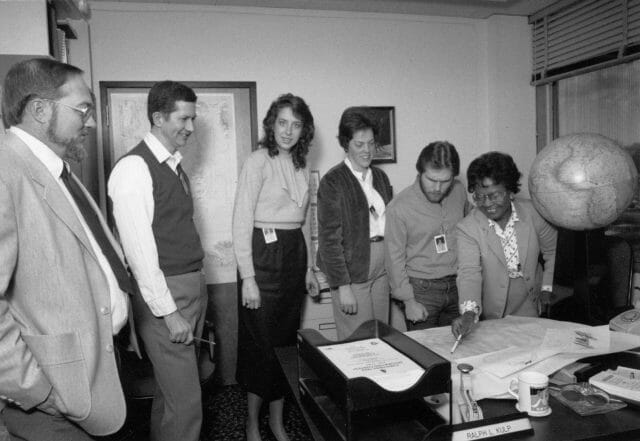 Dr-Gladys-West-(far-right)-and-colleagues-working-on-satellite-geodesy-at-Dahlgren-in-the-1980s-US-Navy
